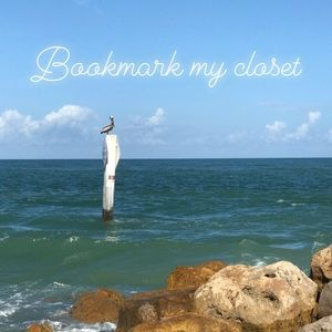 Bookmark my closet!! 🌴